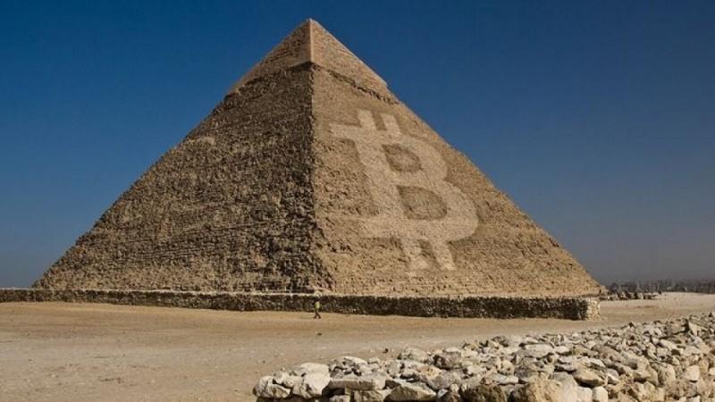 Криптовалютная пирамида может обеспечить хороший доход на первом этапе существования, но затем риски инвестора существенно возрастают