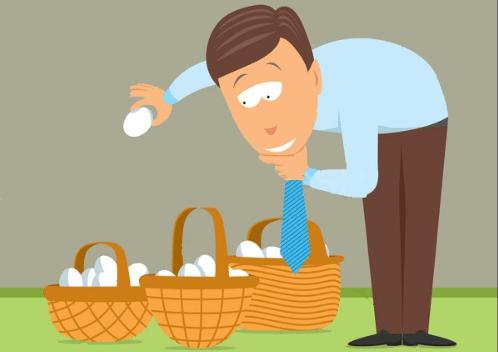"""Рекомендуем хранить криптовалюту биткоин и другие монеты сразу в нескольких местах, не оставляя все """"яйца в одной корзине""""."""