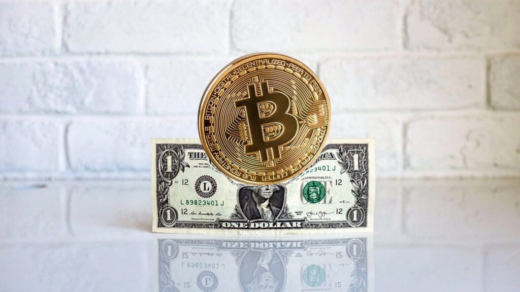 отличие между ценой криптовалют и фиатных средств