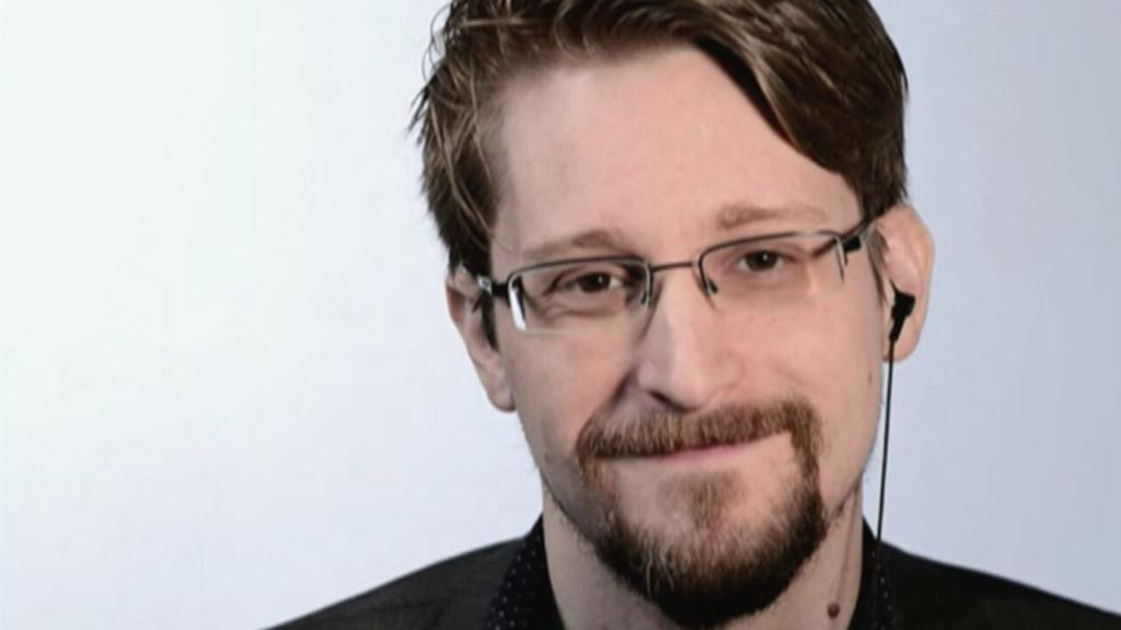 Эдвард Сноуден, бывший сотрудник ЦРУ и Агентства национальной безопасности США